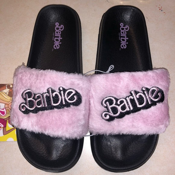 9ee3cd0feaa2 NWT Barbie FUR SLIDES LADIES 5 6